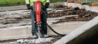 TE 3000-AVR Exceptionally powerful concrete demolition hammer / breaker machine featuring low vibration and a brushless motor Applications 2